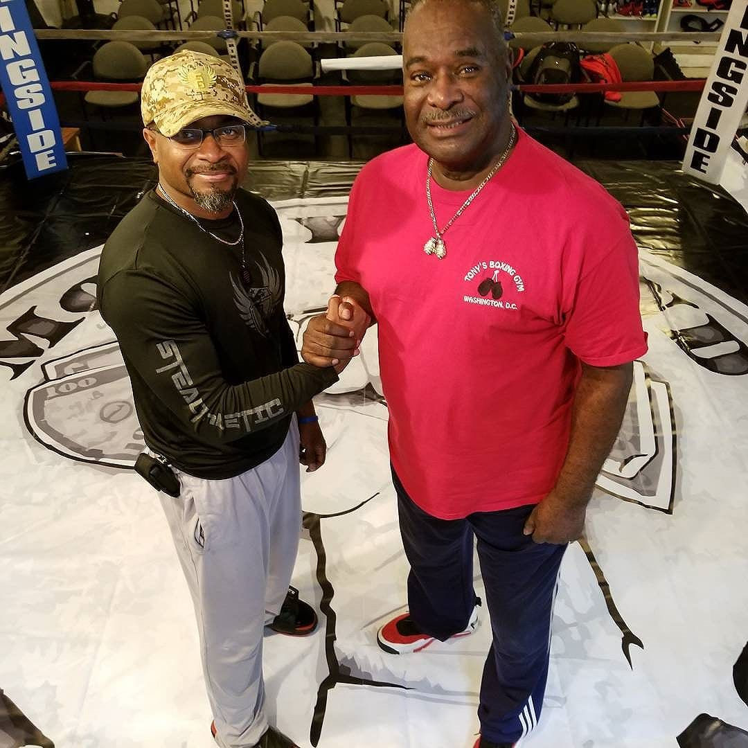 I'm standing with the man who holds the keys to the DMV and future promoter for Money Round Boxing League. DC, Maryland, and Virginia, UBER and Amazon is not the only ones who can put alot of people to work. Register at www.moneyroundboxing.com #combine #boxingtraining #boxingday