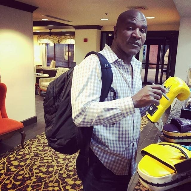 Former Heavyweight Champion Evander Holyfield signing the official fight apparel (Stealthletic Gear) of Money Round Boxing League.. #stealthletic #moneyroundboxing